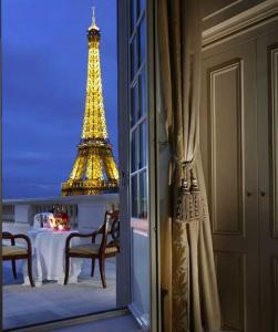 Shangri La, Paris