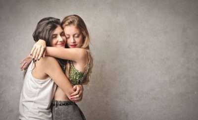 5 REASONS WHY HUGS ARE POWERFUL