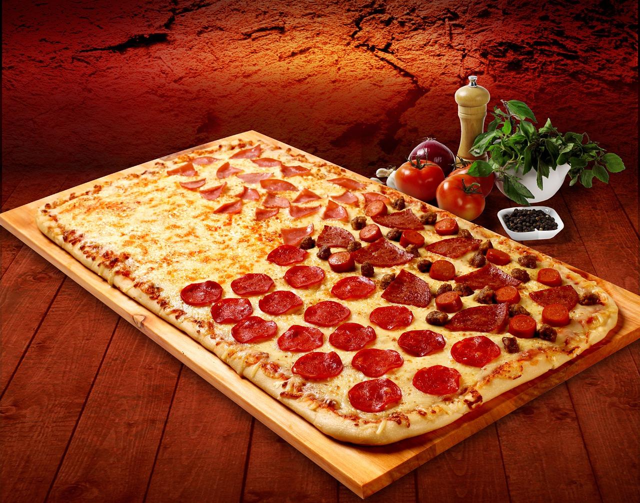 Как сделать пиццу дома из готовых коржей