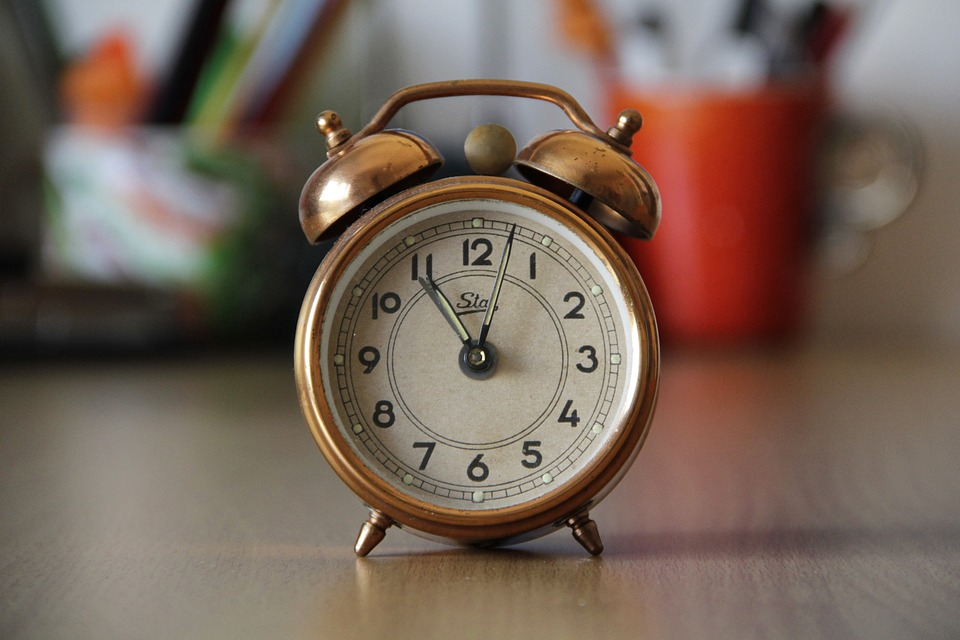 Creative Ways to Decorate Your Home Using Vintage Finds- Old alarm clock