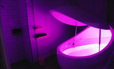 Floatation tank with pink light