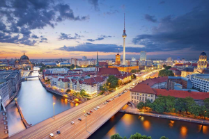 8 Best Places To Visit For A First-Time Solo Woman Traveller-Berlin