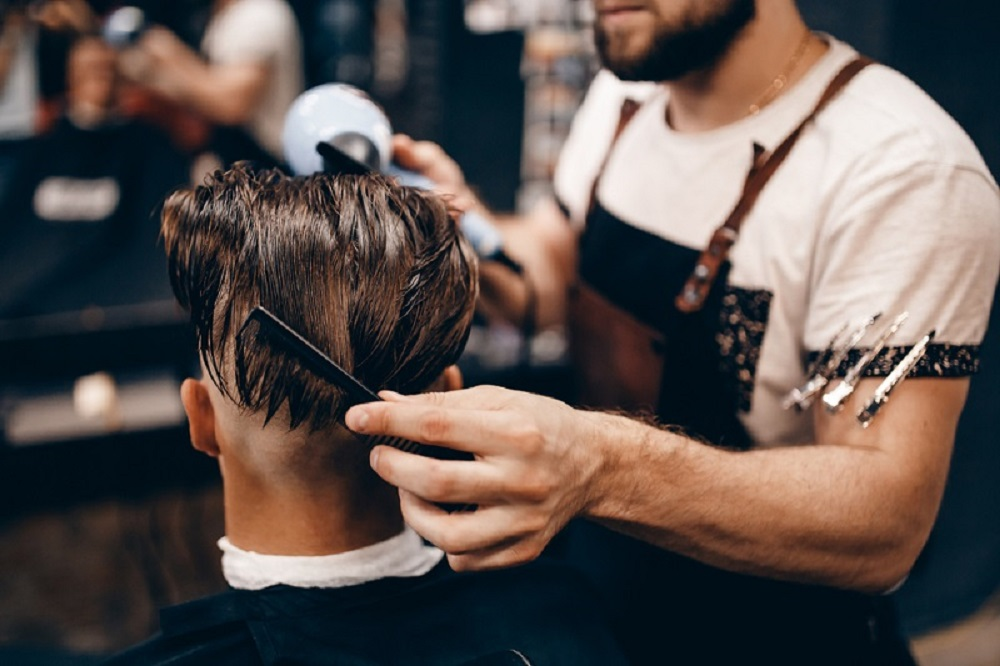 What Are the Amenities That You Find in A Modern Hair Salon for Men?-Hair Salon