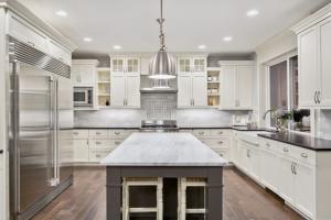 6 Essential Kitchen Renovation Tips-Kitchen bench