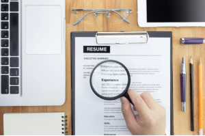 9 Reasons to Pay Someone To Write Your Resume- Resume
