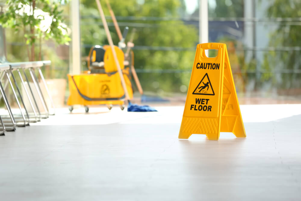 7 Tips to Choose The Best Commercial Cleaning Team-commercial cleaning sign