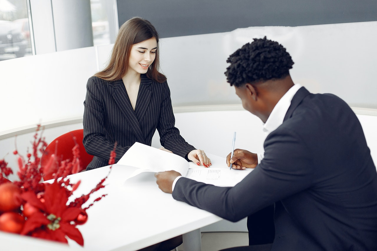 8 Ways a Business Lawyer Can Be Helpful When Starting a Company