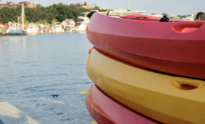 Kayak stack up on each other