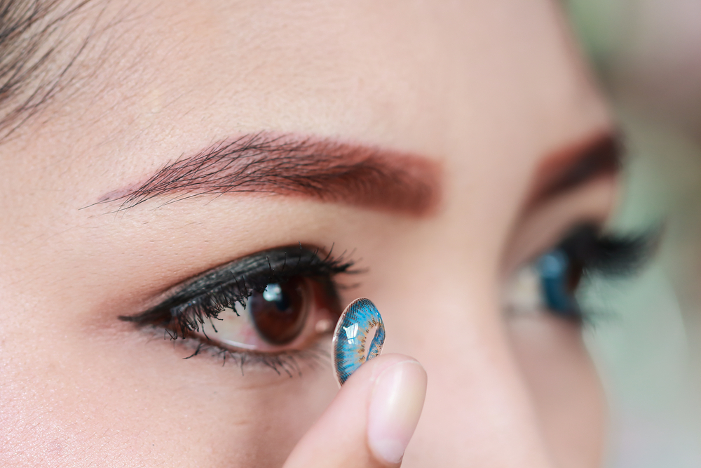 Why Should You Use Contact Lenses Instead of Glasses- Bausch and Lomb Contacts